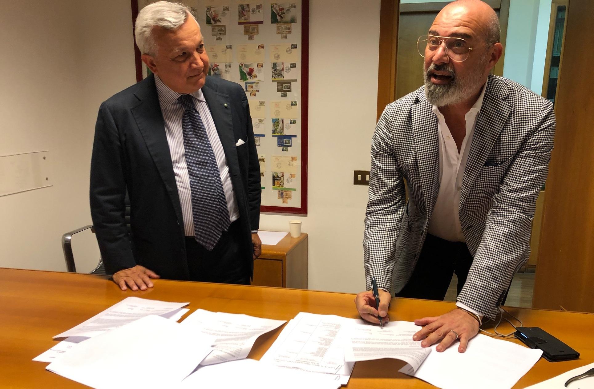 file/ELEMENTO_NEWSLETTER/20098/Jannotti-Pecci(federterme)con_Bonaccini_20190801.JPG