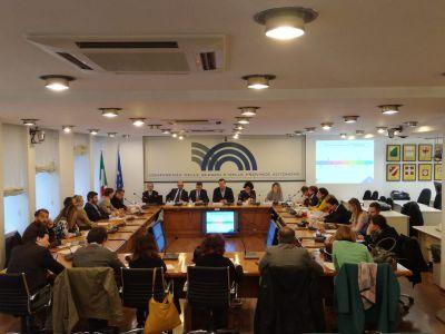 """Seminario Cinsedo: """"RegHub, la Rete di Hubs regionali per il riesame dell'attuazione delle politiche dell'UE"""