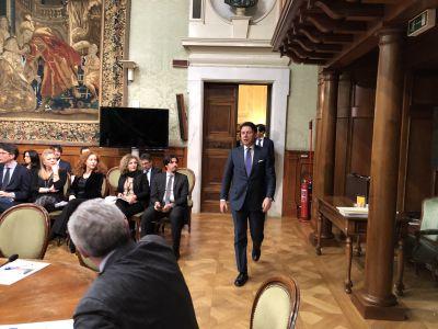 50 anni Regioni: Conferenza Stato-Regioni con Conte (l'arrivo del Presidente del Consiglio)